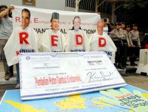 Aksi REDD depan kedubes Australia