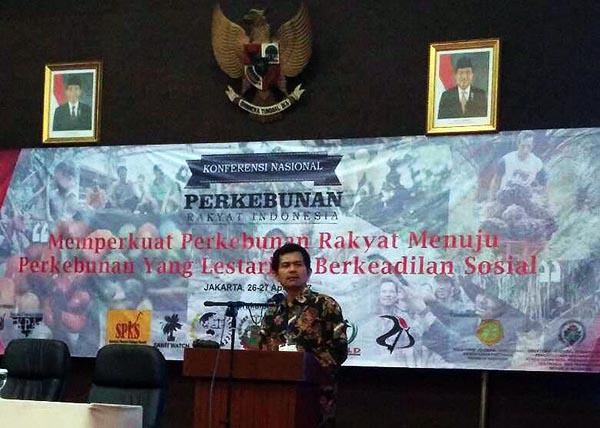 Ketua Umum SPI Henry Saragih memberikan sambutan dalam KNPRI