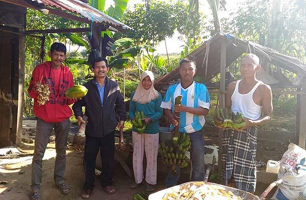 Kunjungan lahan ke petani SPI Riau