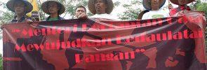 Aksi pemuda tani SPI di depan Kementerian Pertanian, di Jakarta, tadi pagi (25/09) yang jadi rangkaian peringatan Hari Tani Nasional, 24 September 2017.