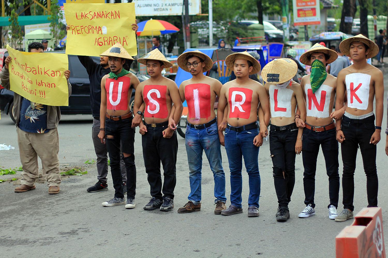 Blek dan anggota SYFM lainnya dalam aksi Usir LNK dari MekarJaya, Langkat