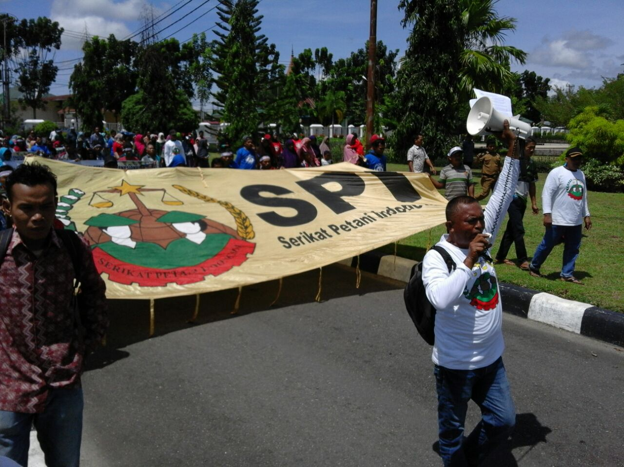 Aksi SPI Pasaman Barat Peringati Hari Perjuangan Petani Internasional, siang tadi (17/04).