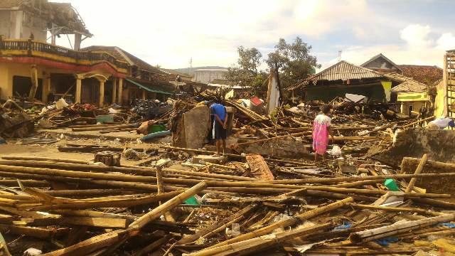 rumah yang hancur di Banten